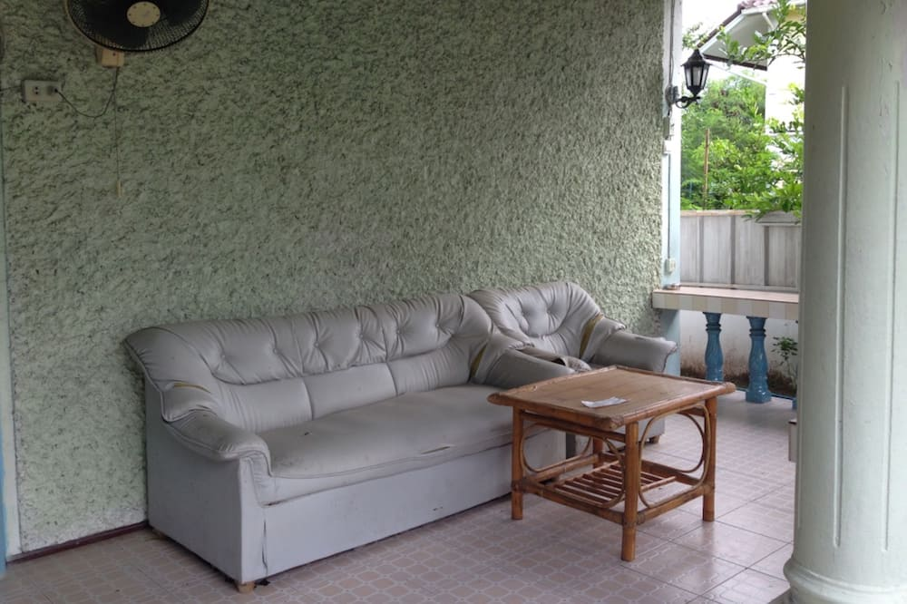 3-Bedroom House  - Dzīvojamā istaba