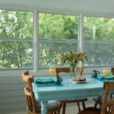 客房, 私人浴室 (Prairie Haven Cottage) - 客房內用餐