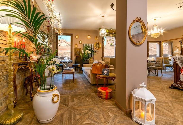 051 Room & Breakfast, Bologne, Chambre Double, 1 grand lit, vue ville, Réception