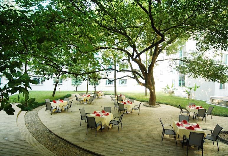 Hangzhou Huagang HNA Resort, Hangzhou, Garden