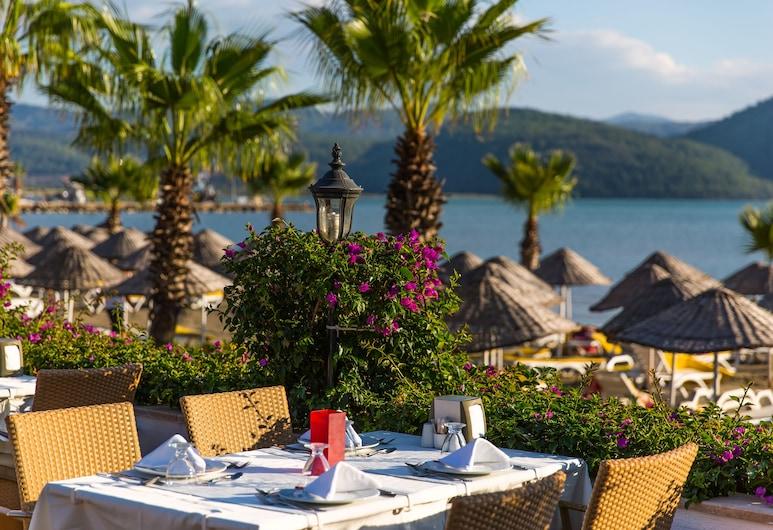 Yucelen Otel, Ula, Outdoor Dining