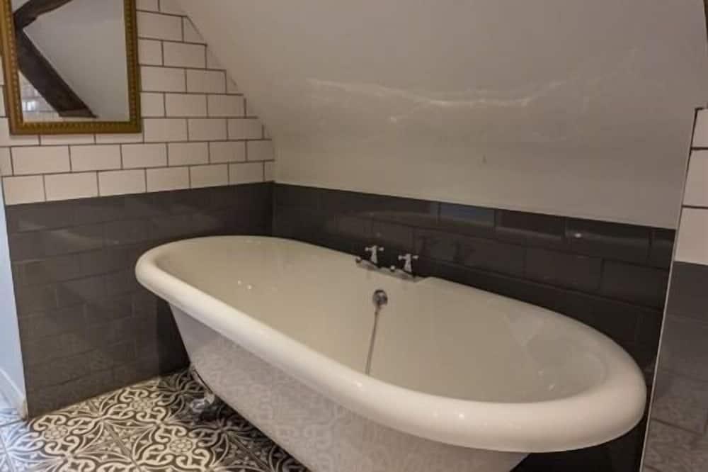 Luxury Double Room, Ensuite (The Bondgate) - Bathroom