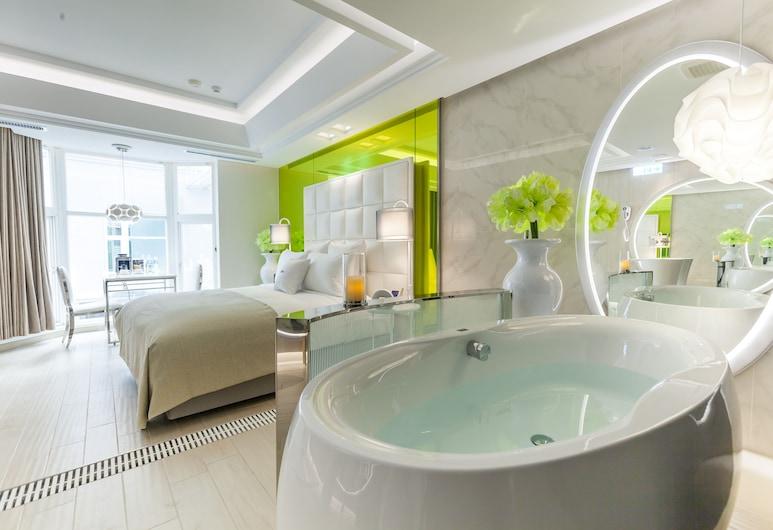 Six Star Motel-Taoyuan, Taoyuan City, Išskirtinio dizaino dvivietis kambarys, 1 standartinė dvigulė lova, Atskira masažinė vonia