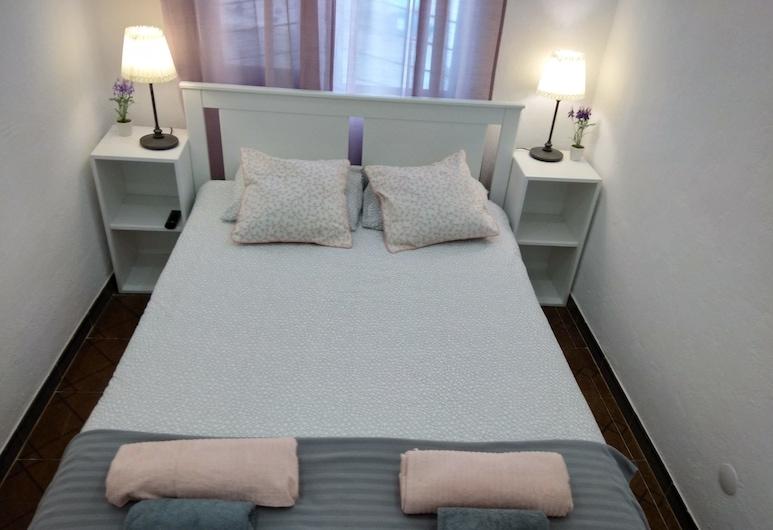Oriente DNA Studios & Rooms, Lisbon, Economy Apartment, 2 Bedrooms, Ground Floor, Room