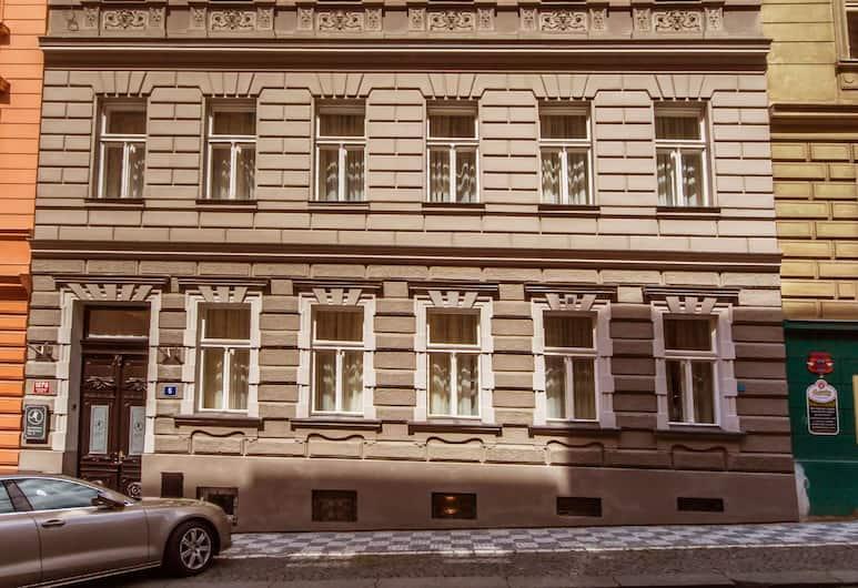Manesova No.5 Apartments, Prag, Fassade der Unterkunft