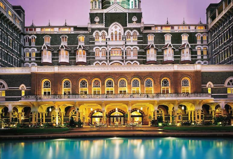 The Taj Mahal Palace Mumbai, Mumbai, Průčelí hotelu ve dne/v noci
