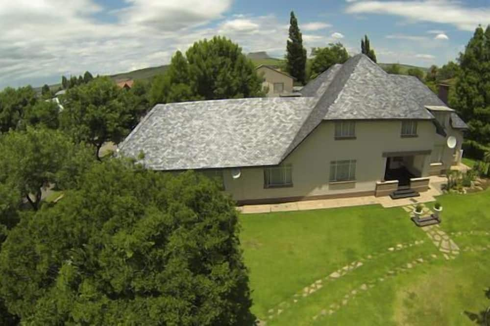 Africlassic Guest House - Harrismith