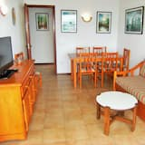 Family Apartment, 3 Bedrooms, Terrace, Harbour View - Living Area
