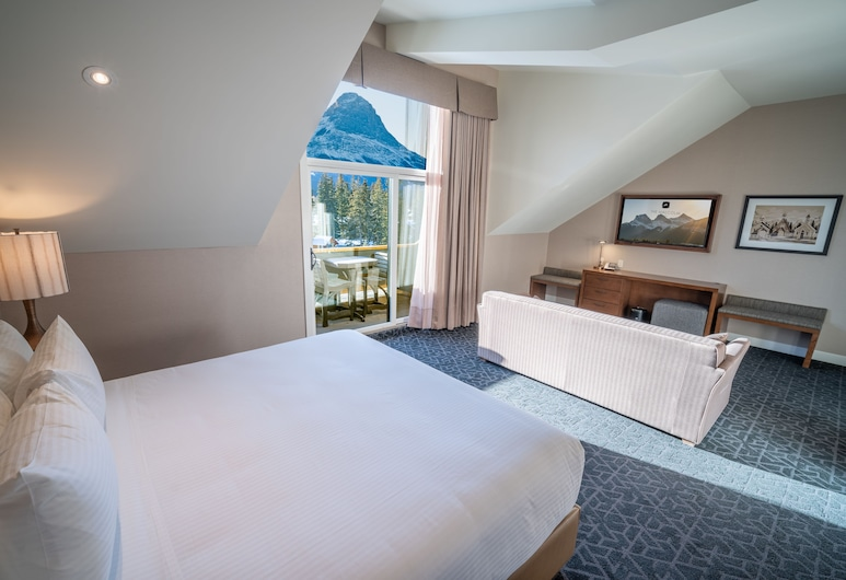 The Malcolm Hotel by CLIQUE, Canmore, Royal Room, 1 King Bed with Sofa bed, Mountain View, Guest Room