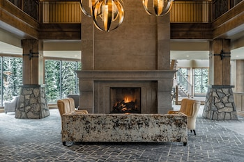 Gambar The Malcolm Hotel by CLIQUE di Canmore