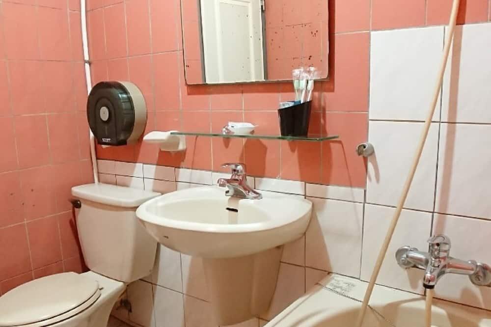 Phòng đôi Business (1) - Phòng tắm
