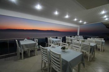 Çeşme bölgesindeki Fener Hotel Cafe & Kahvalti resmi