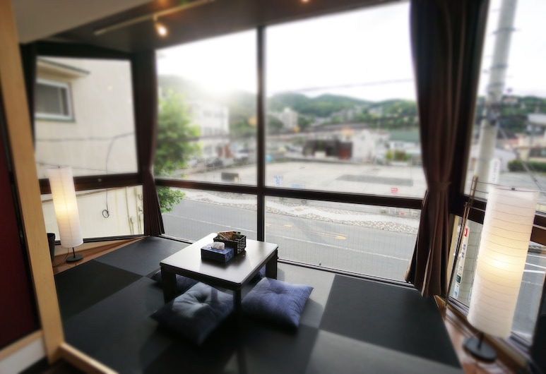 Japanese Condominium UNO, Ito, Soukromý byt (Apartment), Obývací prostor