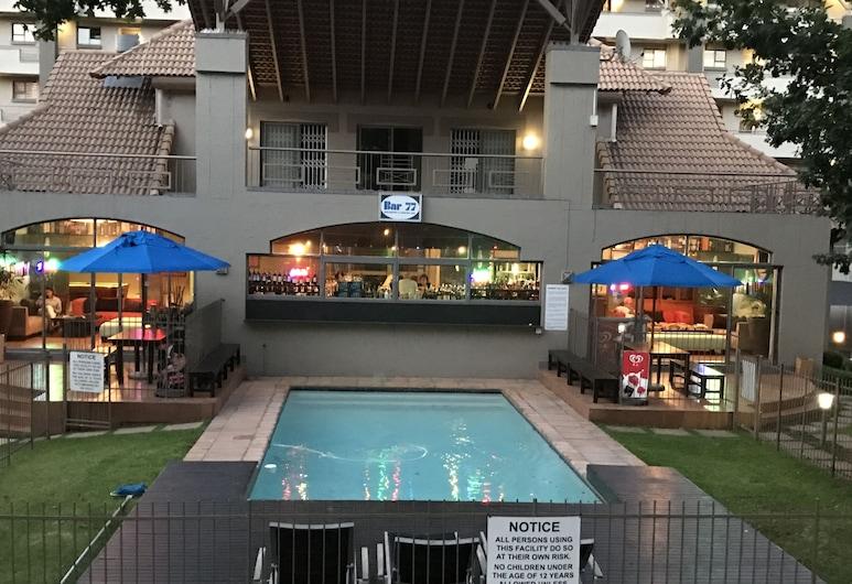 77 Grayston Apartment, Sandton, Outdoor Pool