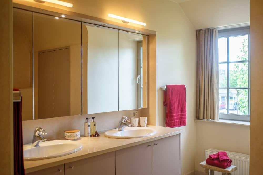 Suite familiar, 2 habitaciones, vista al jardín - Baño
