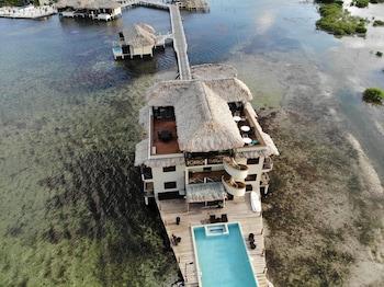 Фото Lina Point Belize Overwater Resort у місті Сан-Педро