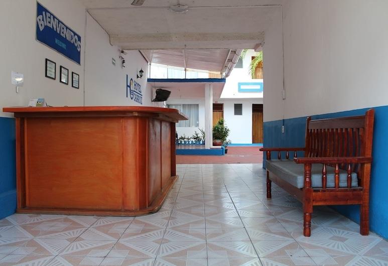 Hotel Carruiz, Puerto Escondido, Recepció