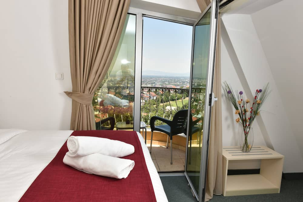 Classic Double or Twin Room, 1 Queen Bed, Balcony, City View - Guest Room