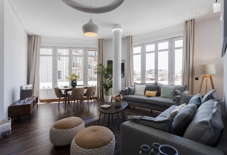 Dobo Rooms - Gran Via IV Apartment, Madrid