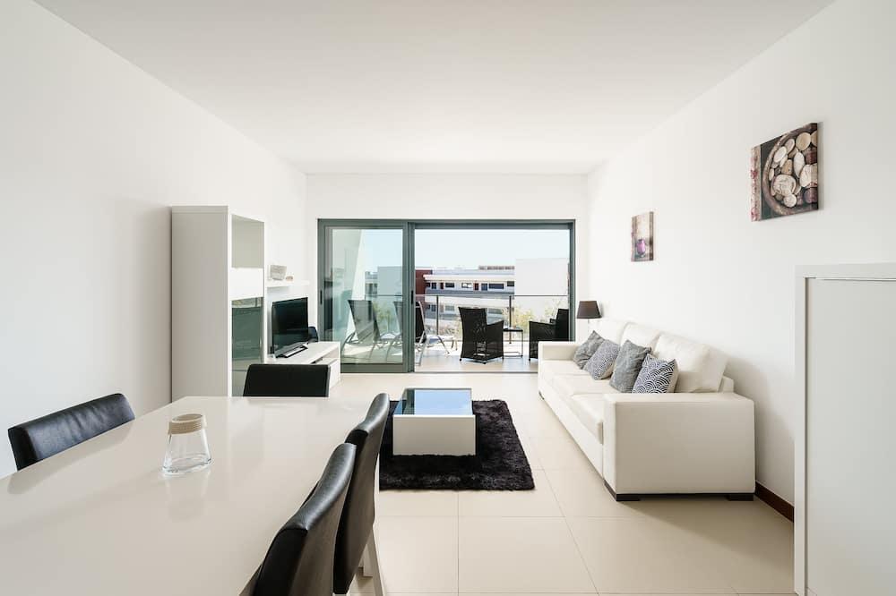 דירה, 2 חדרי שינה, נוף לבריכה - אזור מגורים
