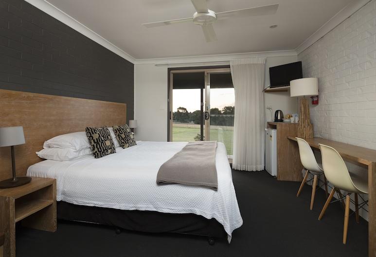Windarra Lodge, Pokolbin, Double Room, 1 King Bed, Guest Room