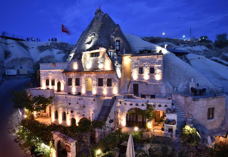Ascension Cave Suites, Nevsehir, Fachada del hotel de noche
