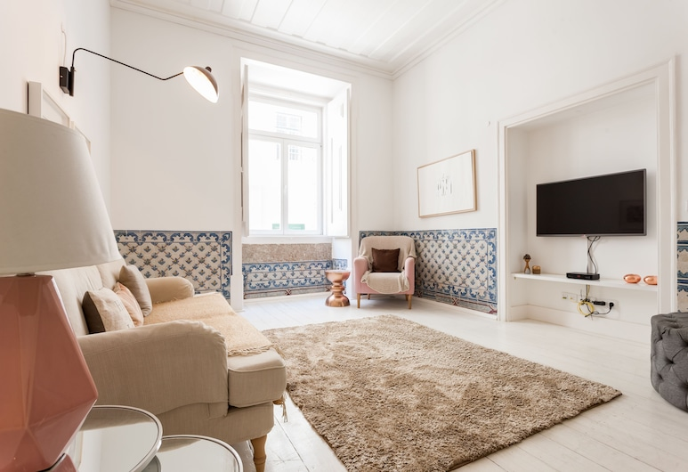 Baixa Tile Blue Two-Bedroom Apartment - by LU Holidays, Lisbon