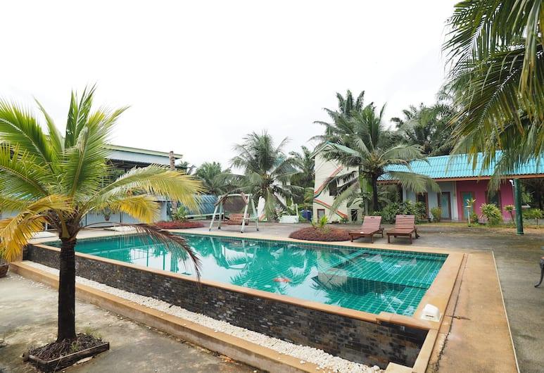 塞朗渡假村, 喀比, 室外泳池