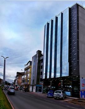 Cusco bölgesindeki Polo Corporativo San Sebastian resmi
