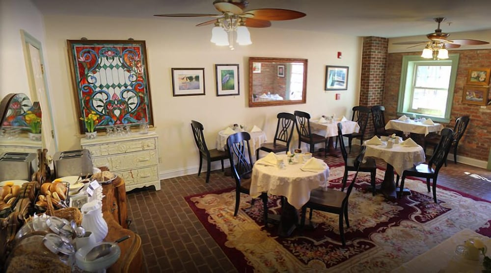 Book Old Brick Inn In St. Michaels | Hotels.Com