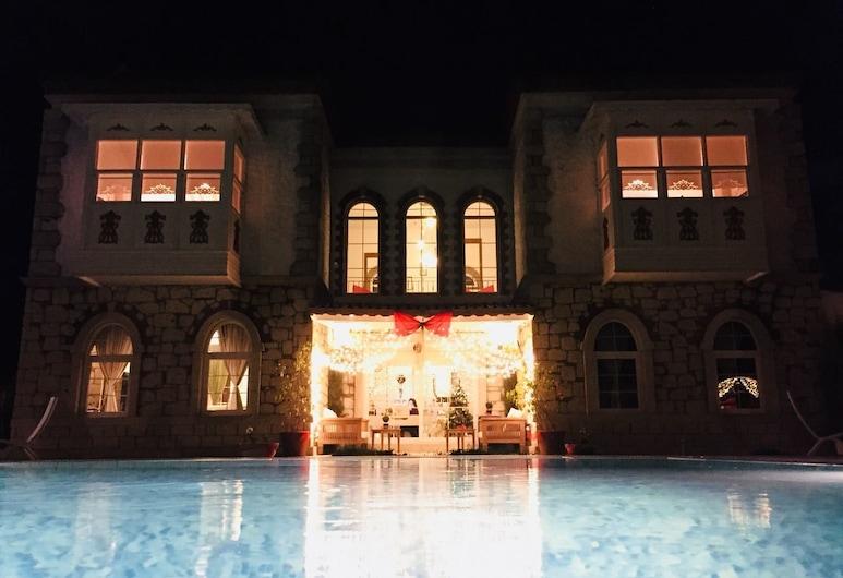 Kerme Ottoman Alacati, Çeşme, Açık Yüzme Havuzu