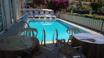 Foto Cicek Otel & Apartments di Fethiye