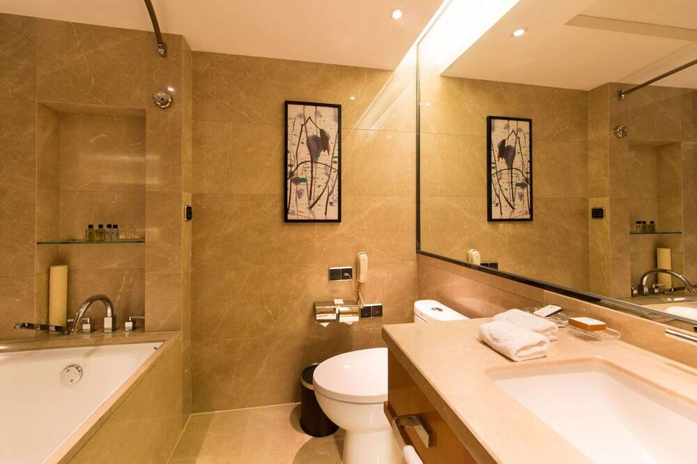 Superior Double Room A - Bathroom