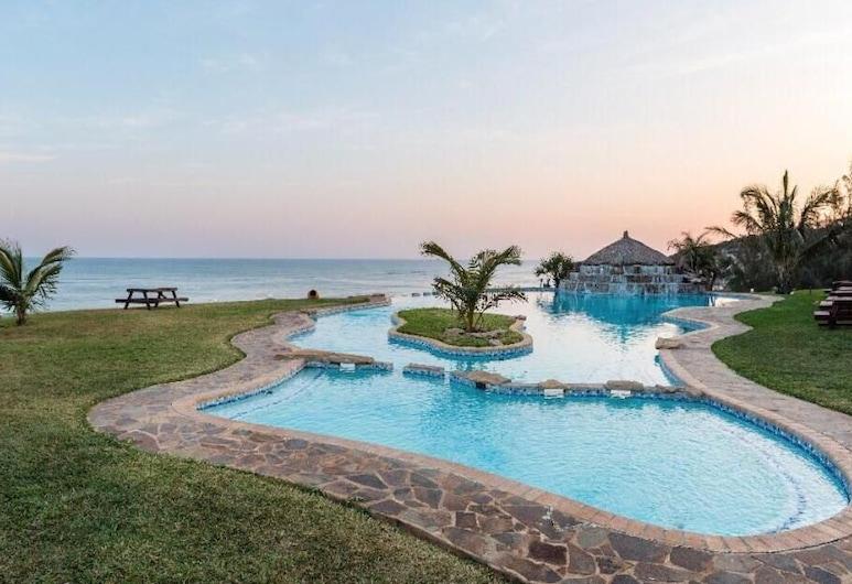 Paraiso de Chidenguele Resort, Chidenguele, Pool
