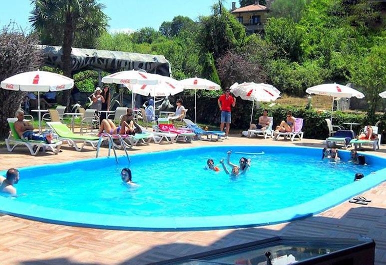 貝斯特精品酒店, 徹納爾哲克, 室外泳池