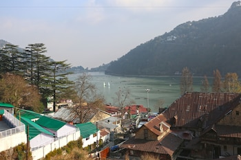 Picture of OYO 8077 Hotel Madhuban in Nainital