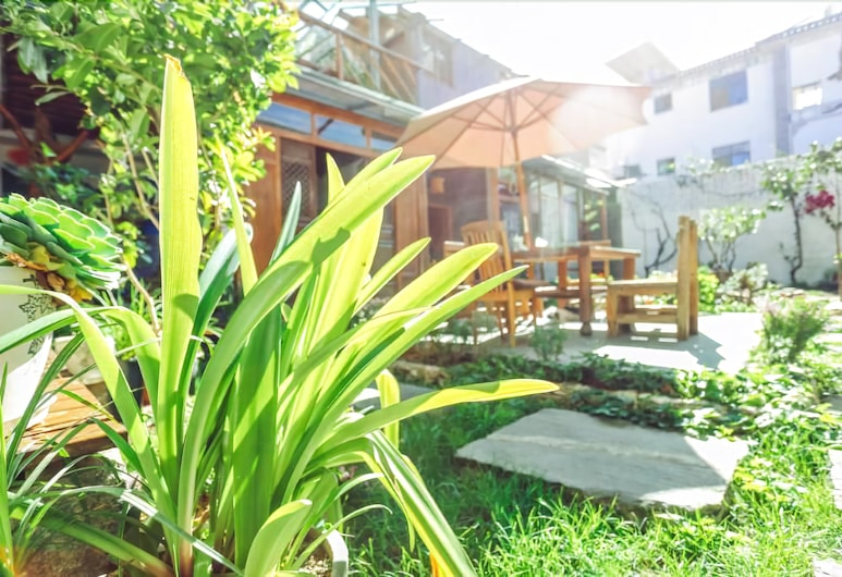 Cabin 7 Inn, Dali, Terrace/Patio