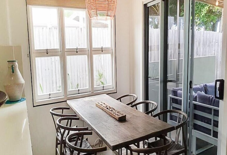 Mission Belle, Mission Beach, House, 3 Bedrooms, Non Smoking, Living Area