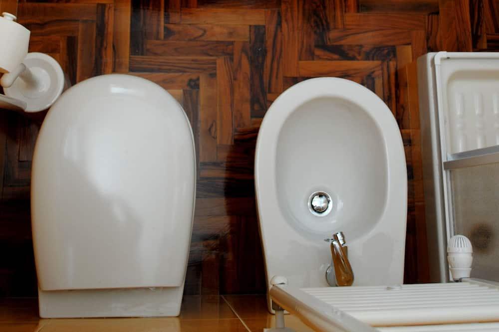 Classic Double Room (Il Ciliegio) - Bathroom