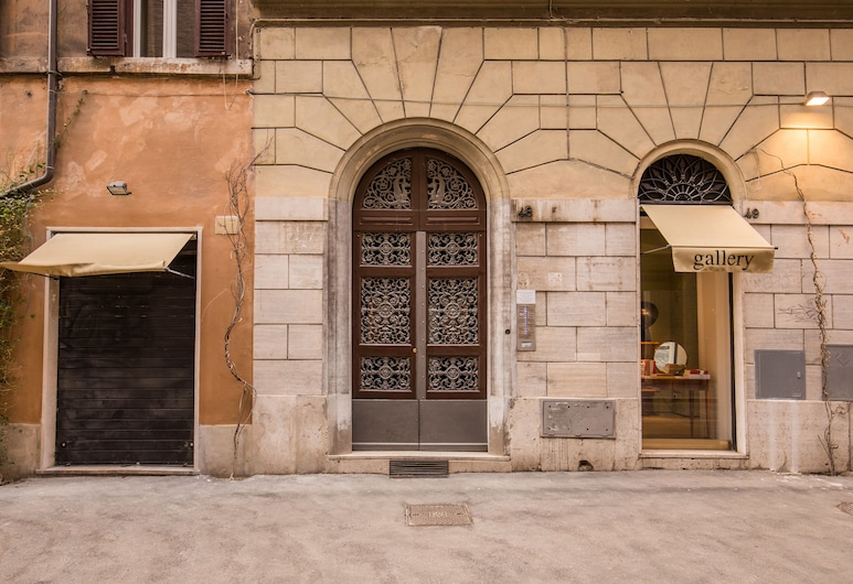 Pantheonview - Imperial Apartment, Rome, Ingang van de accommodatie