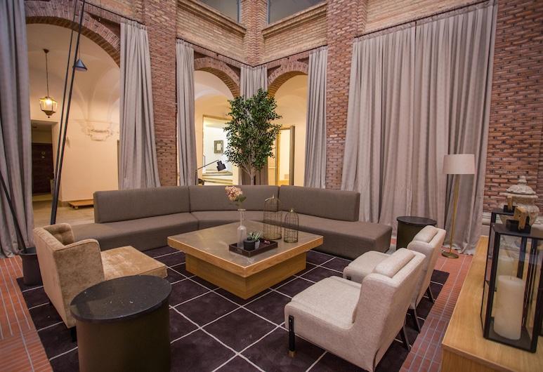 帕拉多莱达酒店, Lleida, 庭院