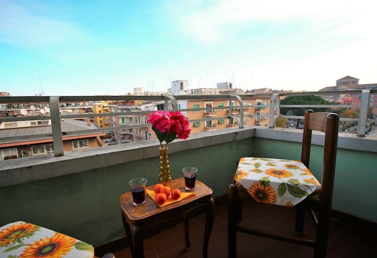 Maria Grazia, Rome, Double Room, Shared Bathroom, Balcony