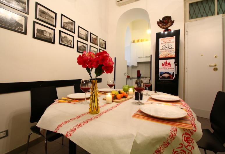 Trasteverooms La Bernardon, Rome, Apartment, 3 Bedrooms, Living Area