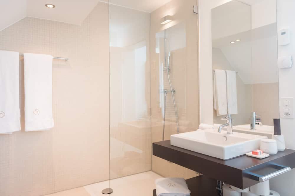 Presidential Apartment, 2 Bedrooms, Lake View - Bathroom