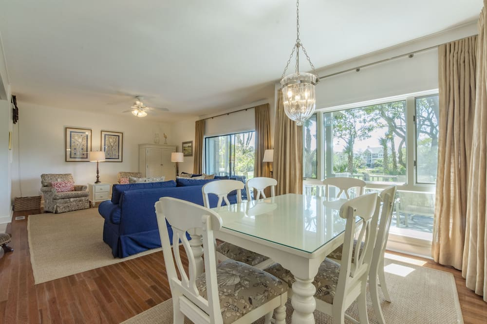 Villa, 2 Bedrooms, Balcony, Golf View (4996 Turtle Point Villa) - In-Room Dining