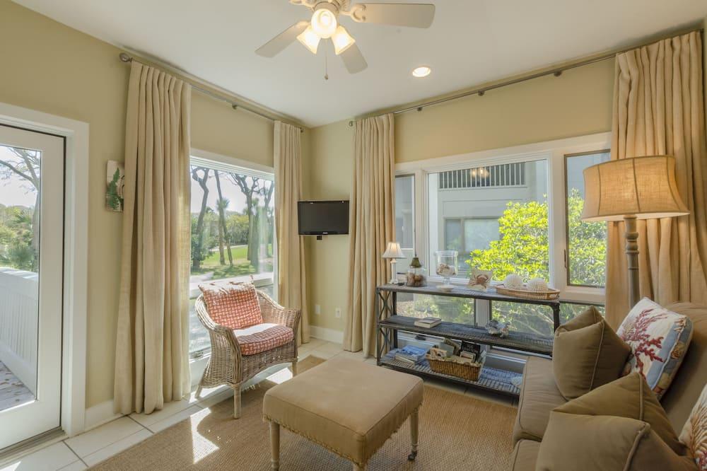 Villa, 2 Bedrooms, Balcony, Golf View (4996 Turtle Point Villa) - Living Area