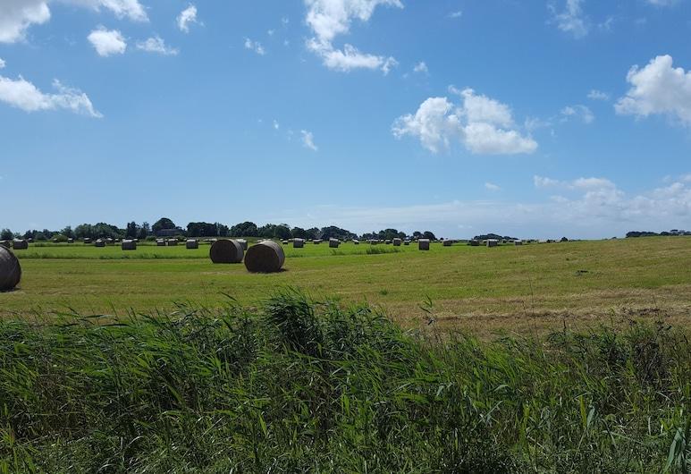 Urlaub auf dem Bauernhof in Einer Ferienwohnung, Osterhever, Hotelgelände