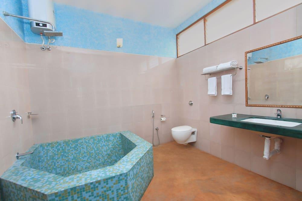 Standardværelse med dobbeltseng eller 2 enkeltsenge - 1 dobbeltseng - privat badeværelse - Badeværelse
