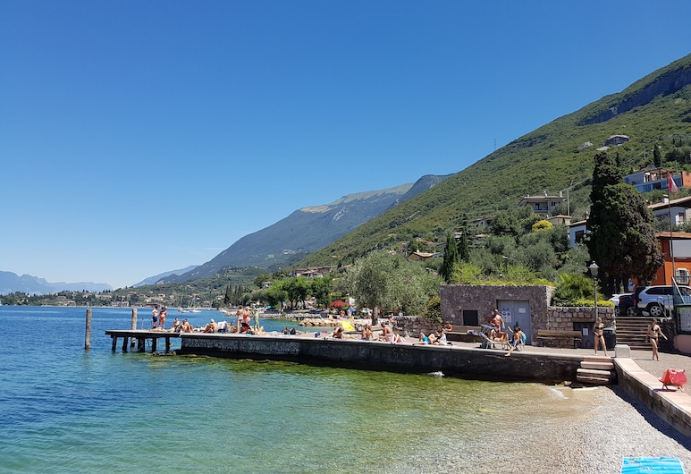 August Offer Apartment a. 50 mt. from the very nice beach, Malcesine, Strönd