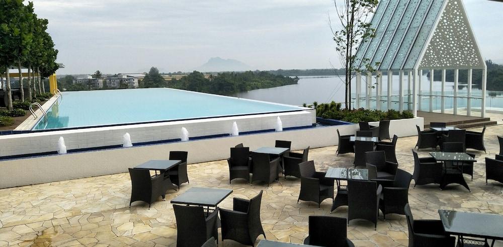 UCSI Hotel Kuching booking.com的圖片搜尋結果